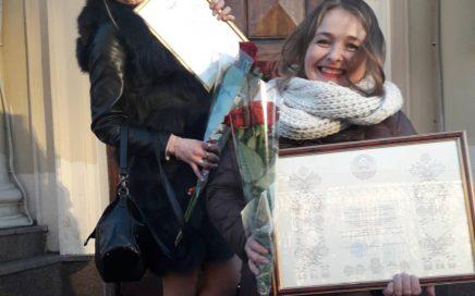 """Віншуем артыстаў Беларускага тэатра """"Лялька"""" з узнагародамі!"""